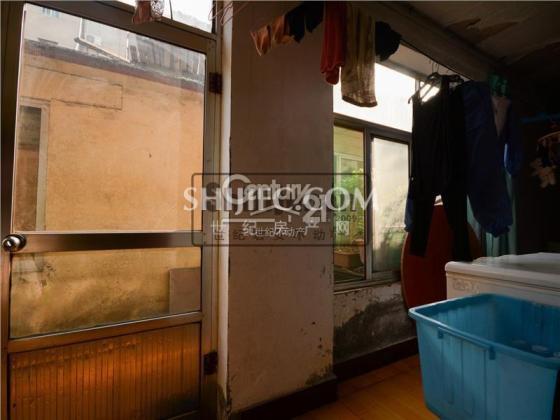 出售 三棉宿舍  黄金一楼  带小院 一小学区房  证过两年 首付低户型图